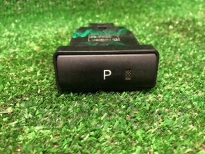 Кнопка на Toyota Prius NHW20 1NZFXE